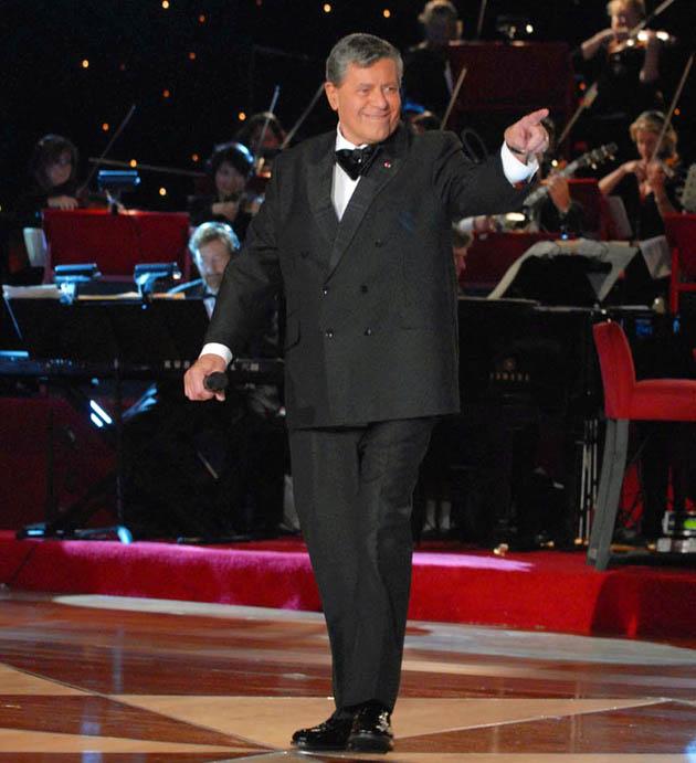 Jerry Lewis: Comedian host of MDA Telethon gets Academy's Jean Hersholt Humanitarian Award