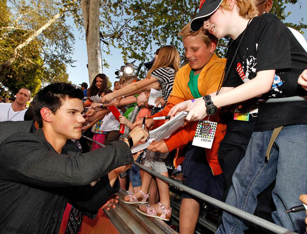 Kids' Choice Awards Favorite Movie Actor Taylor Lautner