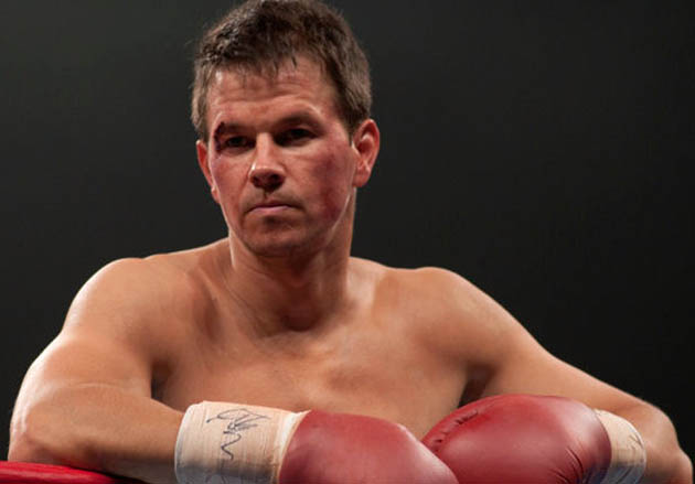 SAG Awards: Mark Wahlberg shirtless + buffed up The Fighter Best Actor contender