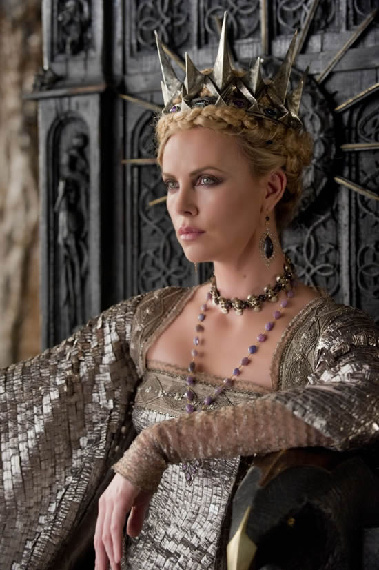 Charlize Theron Snow White and the Huntsman SWATH Queen Ravenna
