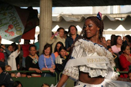 LA CORONA (THE CROWN) directed by Amanda Micheli and Isabel Vega