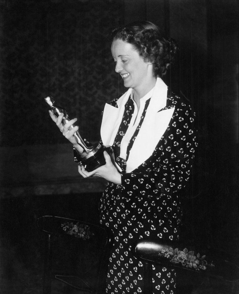 Bette Davis at Oscar 1935