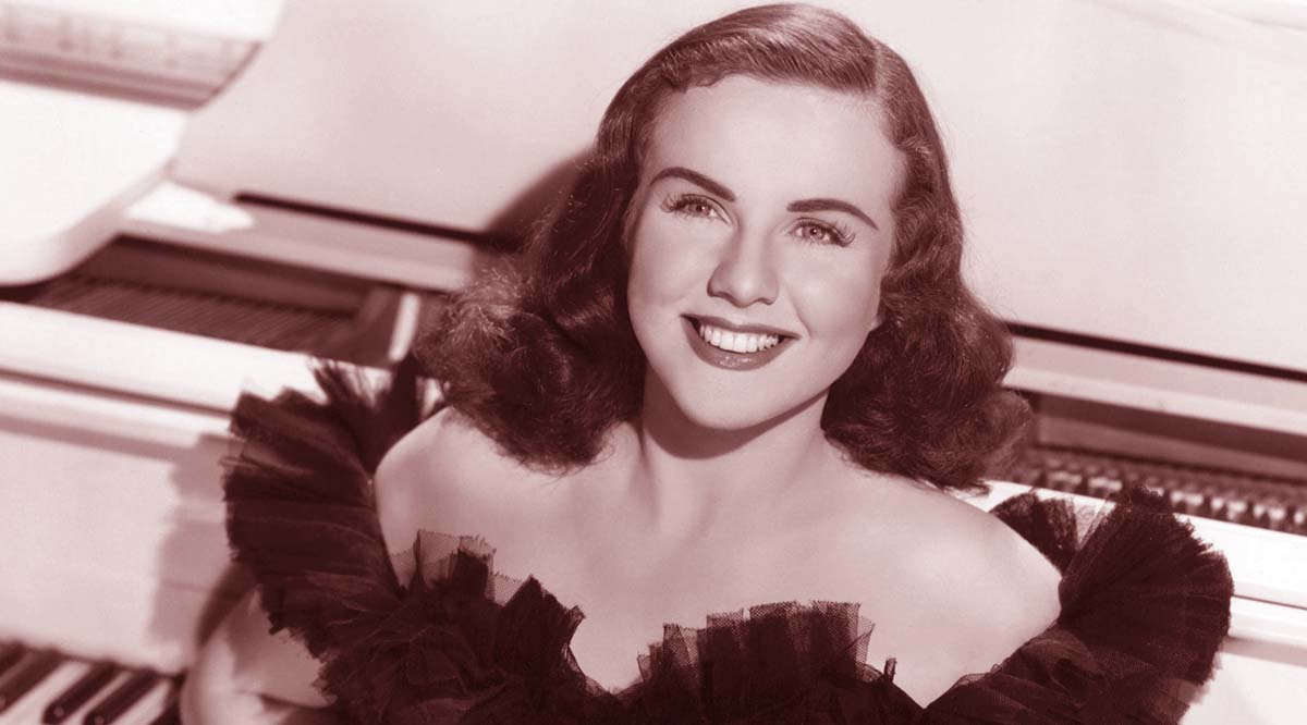 Deanna Durbin singing