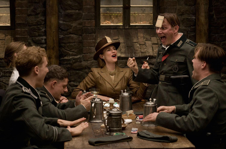 Diane Kruger, Christoph Waltz in Inglourious Basterds