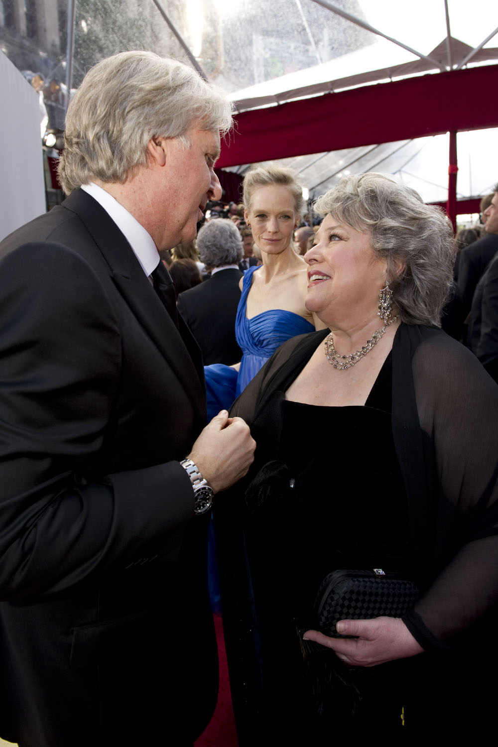 James Cameron, Kathy Bates