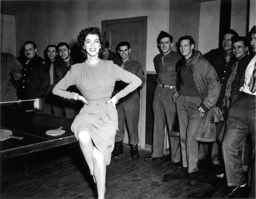 Marsha Hunt entertaining American troops