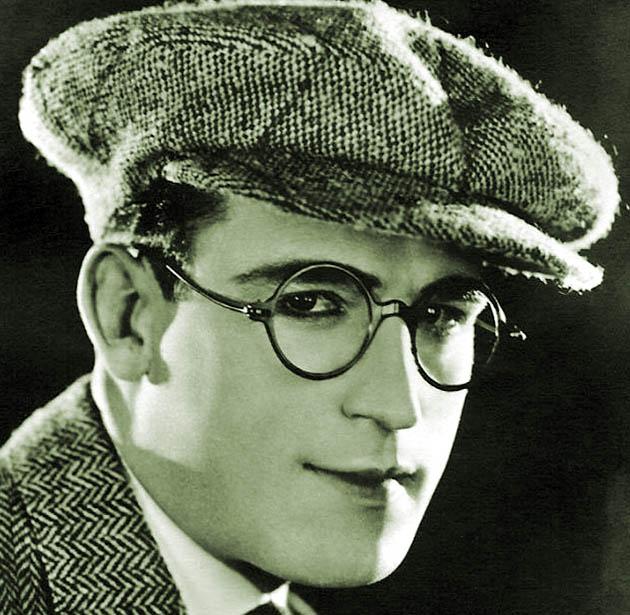Harold Lloyd bespectacled average Joe silent comedies