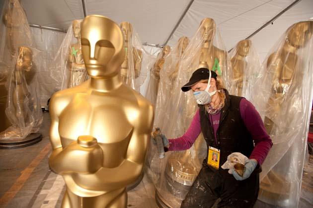 2009 Oscar statuette sprayed