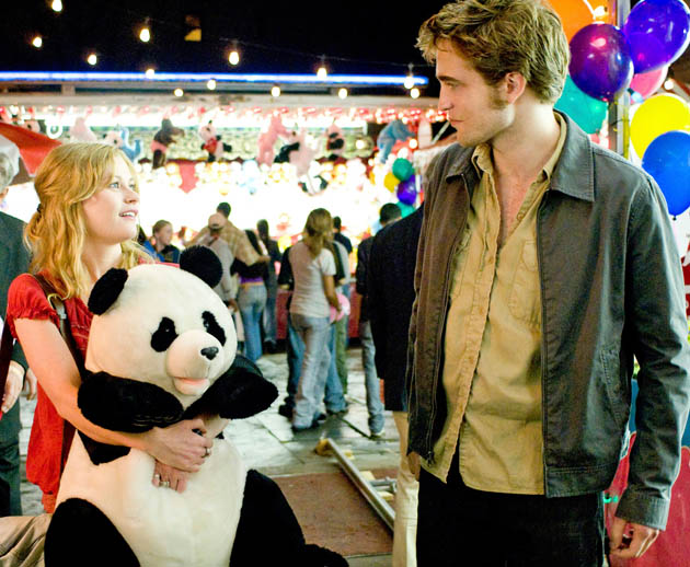 Remember Me Emilie de Ravin Robert Pattinson Heavy drama instead romcoms