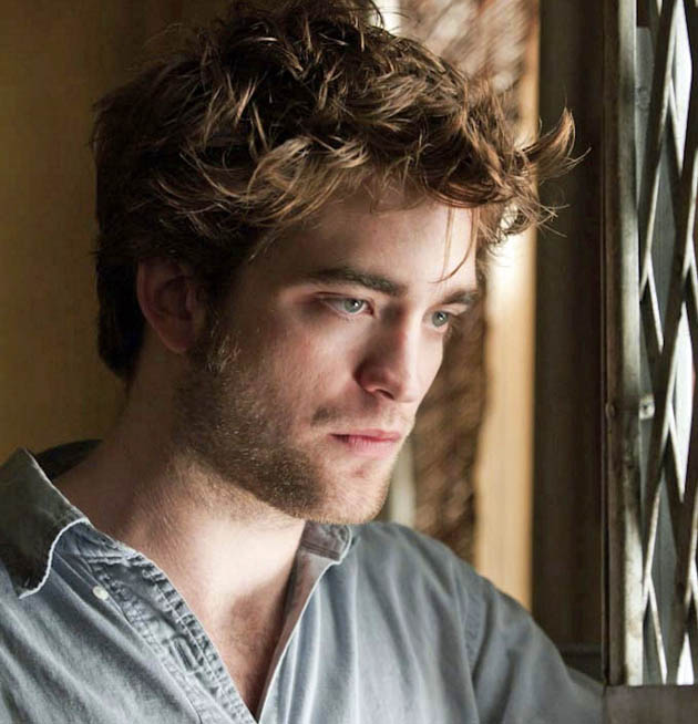 Remember Me Robert Pattinson broods suffers tragedy critics unimpressed offended