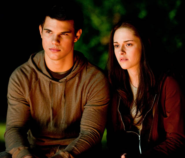 Eclipse Kristen Stewart and Taylor Lautner Bella and Jacob intimate moment
