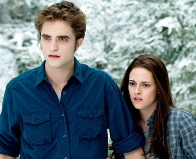 Robert Pattinson and Kristen Stewart in Eclipse: Redhead up a tree in People's Choice Awards winner