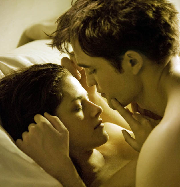 Twilight sex scene Robert Pattinson and Kristen Stewart PG-rated Breaking Dawn