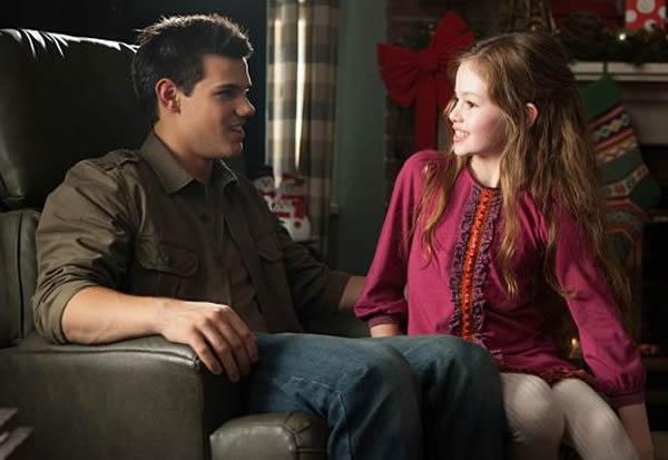 Jacob imprinting Renesmee Taylor Lautner Mackenzie Foy Breaking Dawn 2