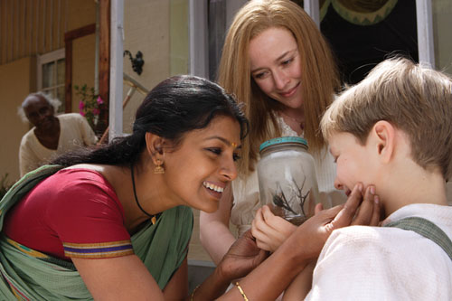 Nandita Das, Jennifer Ehle, Leopold Benedict in Before the Rains