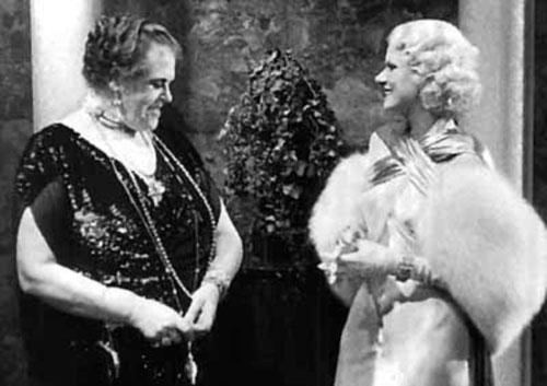 Marie Dressler, Jean Harlow in Dinner at Eight