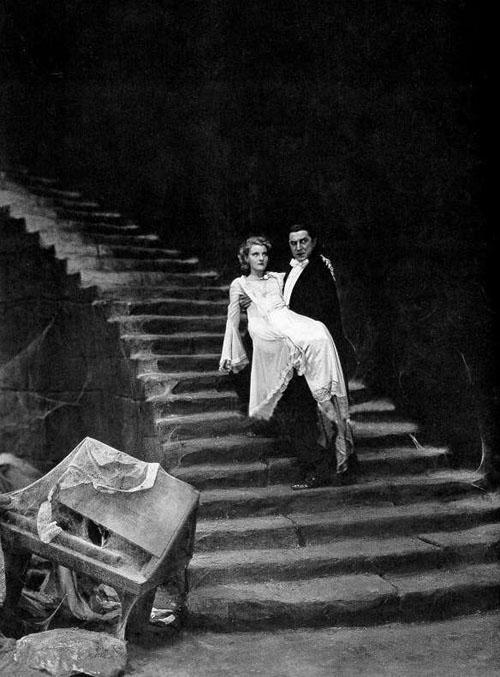 Bela Lugosi, Helen Chandler in Dracula