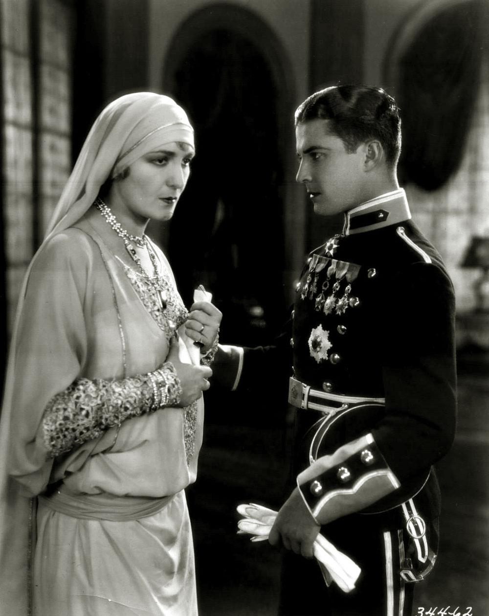 Ramon Novarro, Dorothy Cumming in Forbidden Hours