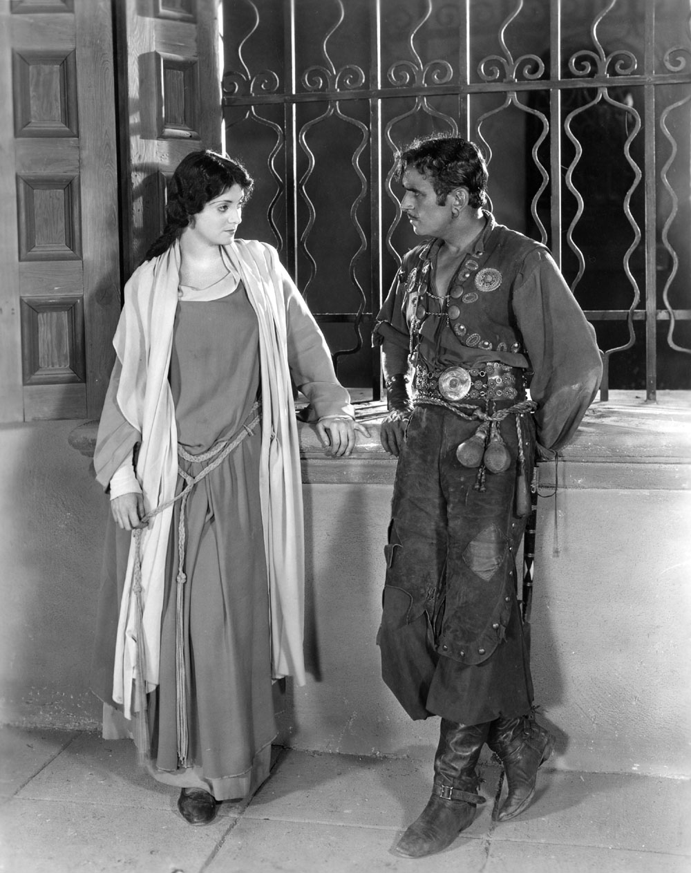 Eve Southern, Douglas Fairbanks in The Gaucho