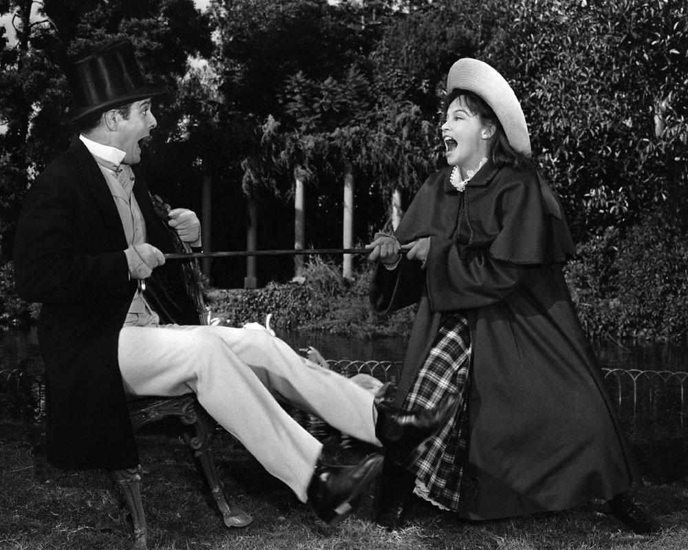 Louis Jourdan, Leslie Caron in Gigi