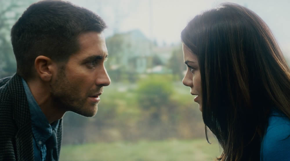 Jake Gyllenhaal, Michelle Monaghan in Duncan Jones' Source Code
