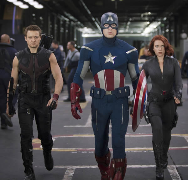 Jeremy Renner Chris Evans Scarlett Johansson The Avengers