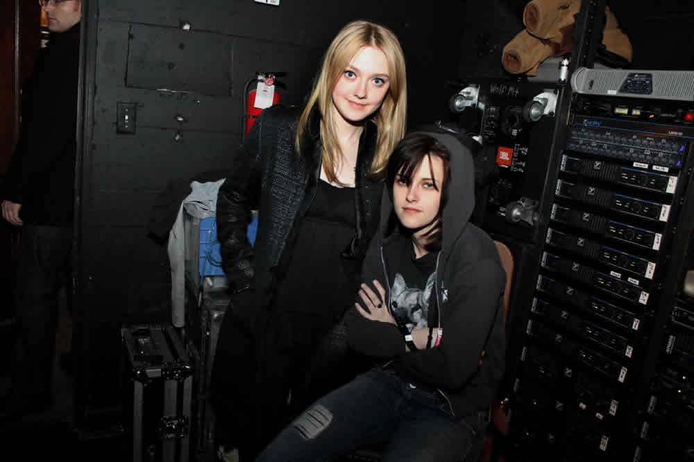 Dakota Fanning, Kristen Stewart, The Runaways