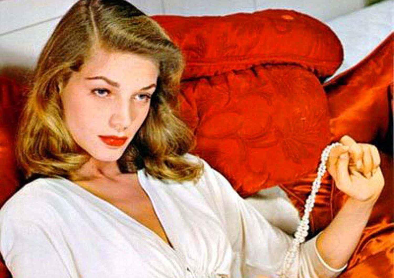 Lauren Bacall dead