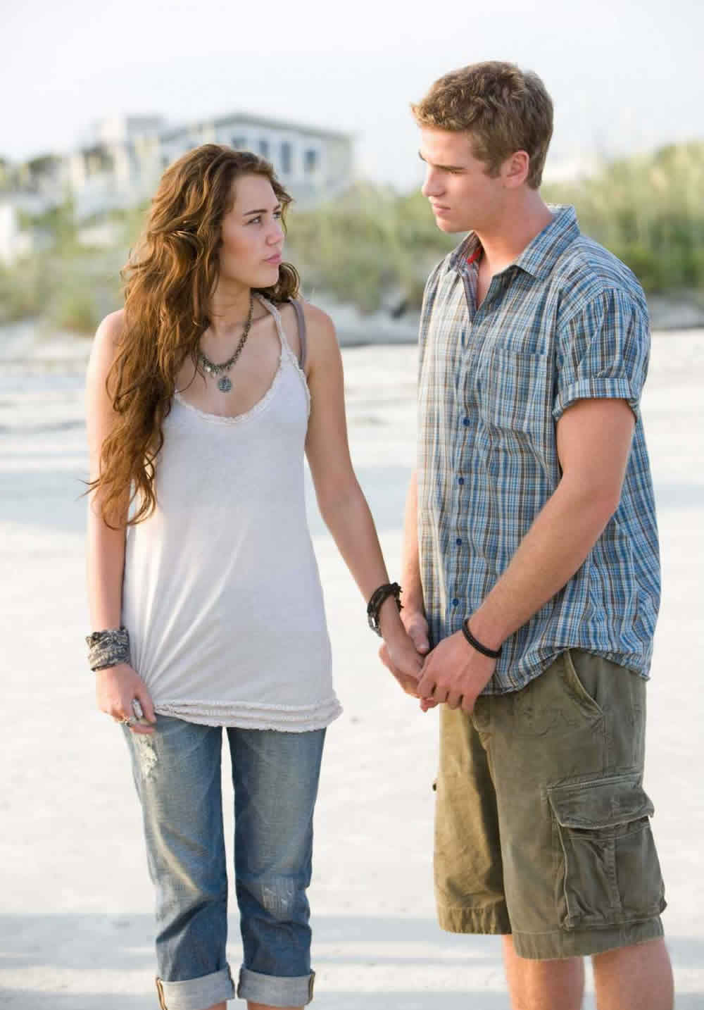 Miley Cyrus Liam Hemsworth The Last Song Nicholas Spark