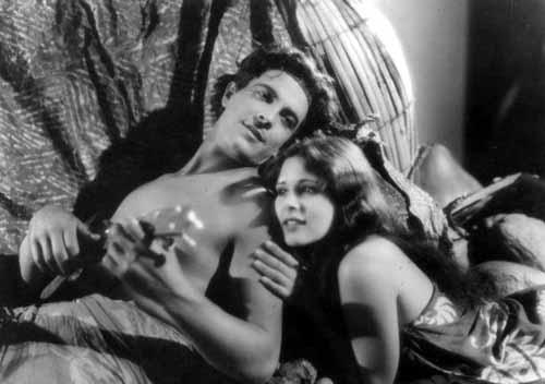 Ramon Novarro, Dorothy Janis in The Pagan