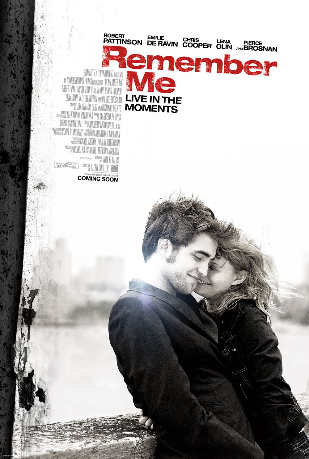 Robert Pattinson, Emilie de Ravin in Remember Me
