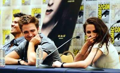 Robert Pattinson and Kristen Stewart Comic Con 2012
