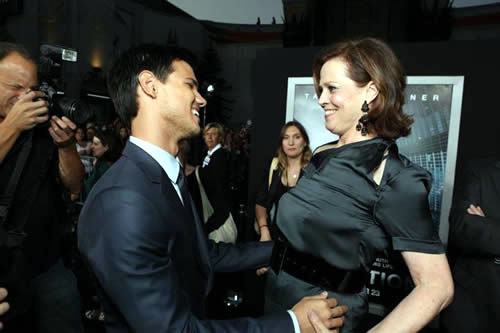 Taylor Lautner, Sigourney Weaver