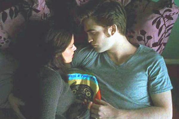 The Twilight Saga Eclipse Kristen Stewart and Robert Pattinson in bed