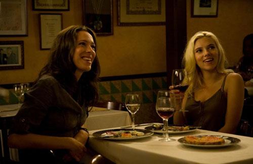 Rebecca Hall, Scarlett Johansson in Vicky Cristina Barcelona